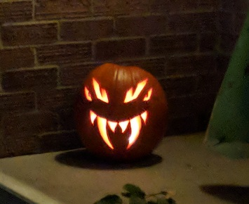 The jack-o-lantern I carved for Hallowe'en.